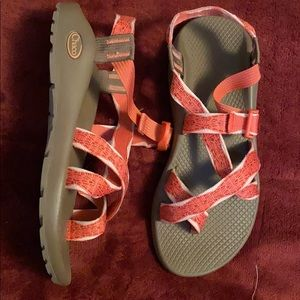 Woman's chacos